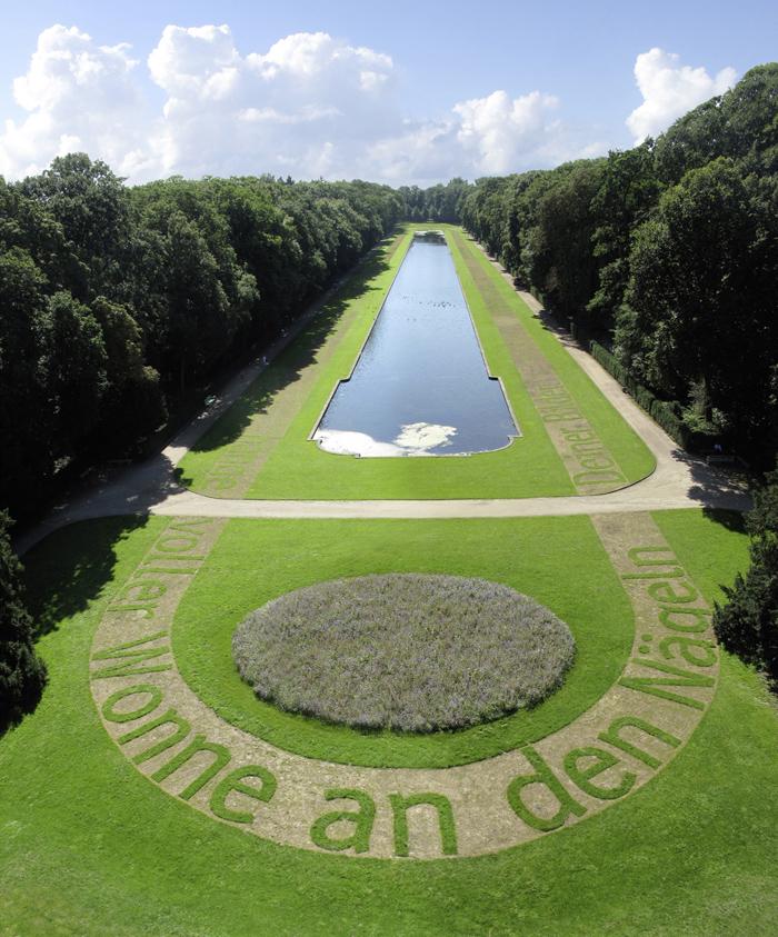 10In Deinem Spiegel Ralf Witthaus Schloss Benrath Spiegelweiher - web 700