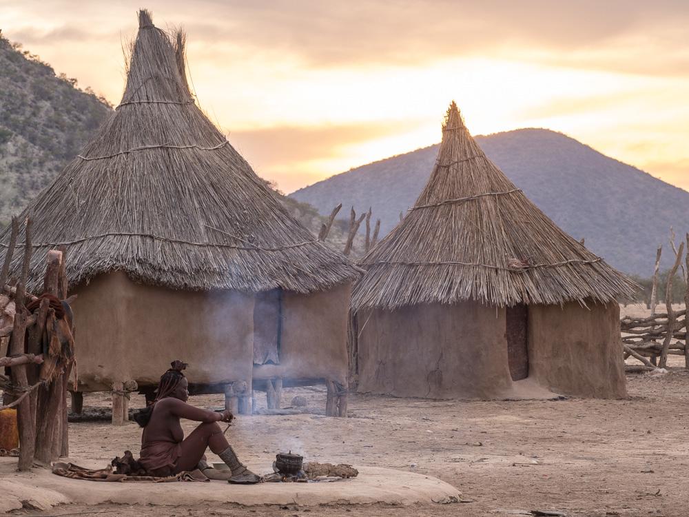 53_Himba-Dorf,-Krale