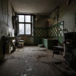 Badezimmer in einem verlassenen Barockschloss bei Leipzig - Jahr 2010
