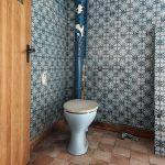 Toilette In einem verlassenen Barockschloss bei Leipzig - Jahr 2010